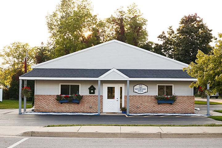 Riverside TItle LLC building entrance