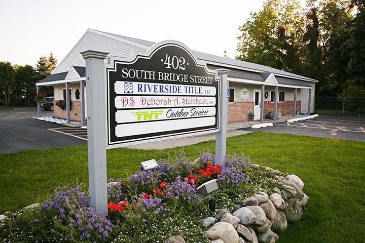 Riverside Title sign & office