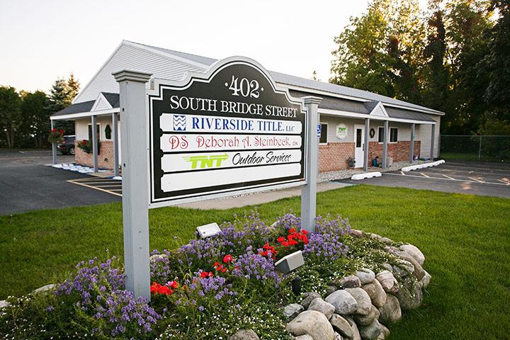 Riverside Title sign & office